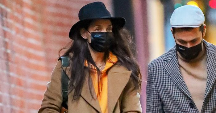 How Katie Holmes Made Skinny Jeans and a Hoodie Look Chic